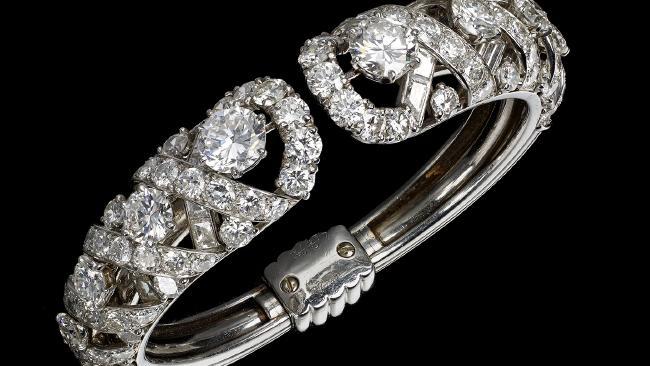 princess grace cartier engagement ring on a fleeting visit